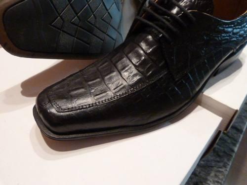 http://articulo.mercadolibre.com.ar/MLA-614711275-calzado-cuero-negro-croco-italiano-de-oferta-hot-_JM