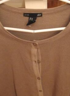 http://articulo.mercadolibre.com.ar/MLA-614378261-cardigan-mujer-h-m-traido-de-usa-con-etiquetas-divino-_JM