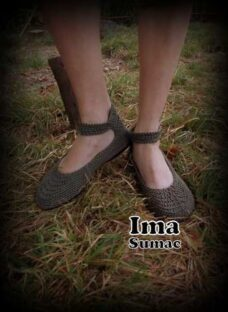 http://articulo.mercadolibre.com.ar/MLA-612089379-guillerminas-tejidas-en-crochet-suela-de-pvc-artesanales-_JM