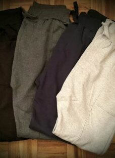 http://articulo.mercadolibre.com.ar/MLA-626872047-pantalones-joggings-chupin-talles-especiales-grandes-_JM