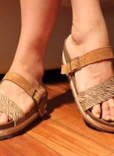 http://articulo.mercadolibre.com.ar/MLA-618731000-talles-grandes-calzado-40-41-42-43-y-44-sandalias-cuero-_JM
