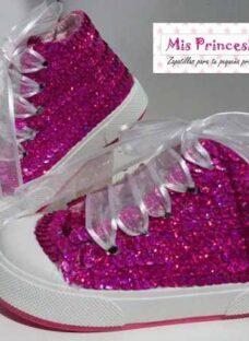 http://articulo.mercadolibre.com.ar/MLA-619367556-zapatillas-c-lentejuelas-para-fiestas-bautismos-cumpleanos-_JM