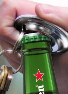 http://articulo.mercadolibre.com.ar/MLA-617227908-25-pin-destapador-llavero-souvenir-prendedores-publicidad-_JM