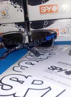 http://articulo.mercadolibre.com.ar/MLA-609578366-anteojos-gafas-lentes-de-sol-spy-ken-block-originalesen-caja-_JM