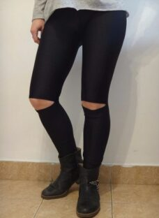 http://articulo.mercadolibre.com.ar/MLA-621406213-calzas-leggins-lycra-roller-rodilla-tajo-liquido-al-costo-_JM