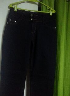 http://articulo.mercadolibre.com.ar/MLA-607662815-jeans-elastizados-de-1-y-2-botones-t-42-al-56-700-_JM