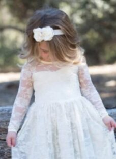 http://articulo.mercadolibre.com.ar/MLA-619950533-vestidos-de-fiestanenabautismocumple-_JM