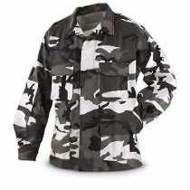 http://articulo.mercadolibre.com.ar/MLA-621164254-chaquetilla-tactica-militar-urbano-gris-blanco-negro-_JM