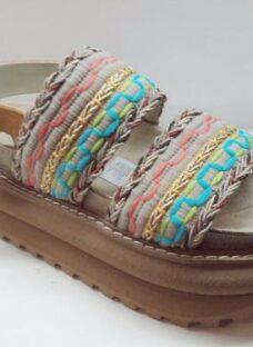 http://articulo.mercadolibre.com.ar/MLA-637369133-sandalias-anca-co-en-cuero-y-tela-con-plataforma-verano-_JM