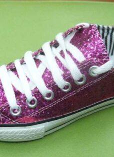 http://articulo.mercadolibre.com.ar/MLA-611991923-zapatillas-nena-glitter-brillo-fucsia-cordon-27-al-33-_JM